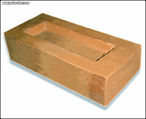 foto de um tijolo de barro cozido