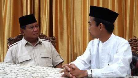 Pertemuan Prabowo dan Ustaz Somad Menggetarkan Hati Kami, Membasahkan Mata Kami
