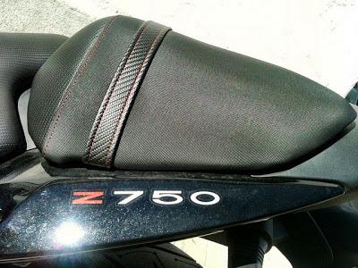 Asiento de moto con tapizado antideslizante