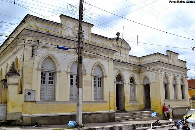 O Prédio foi construído em 1925, funcionou por várias décadas (até 2015) como o Fórum de Justiça de Panelas-PE