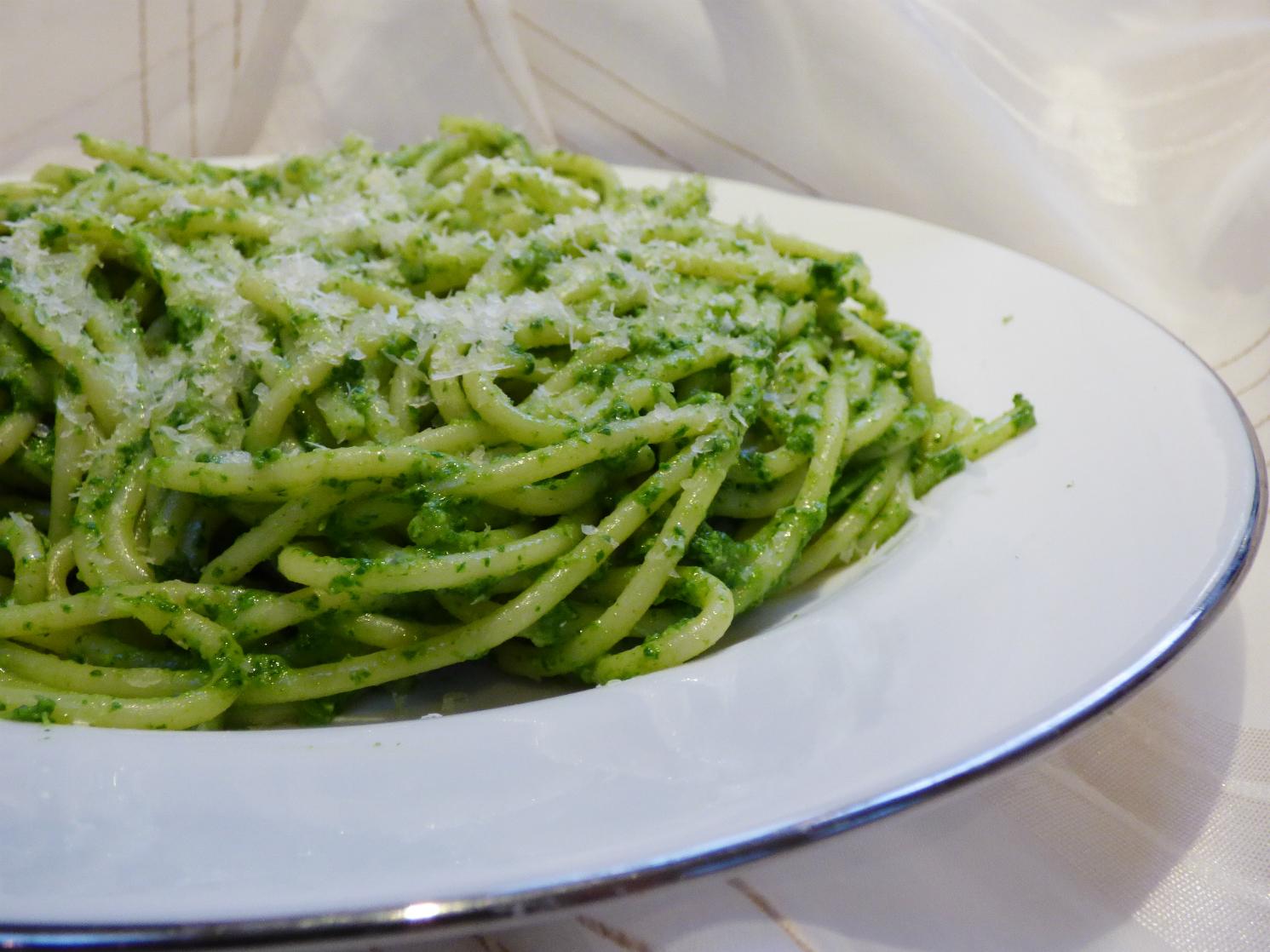 Chez Maximka: Spaghetti with rocket pesto