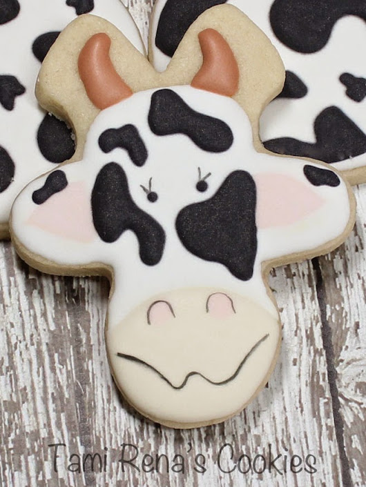 How to Decorate a Cow Cookie