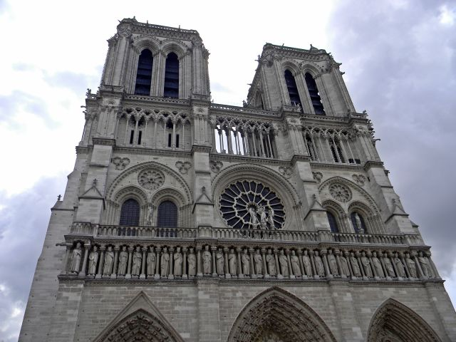 paryskie kościoły, katedra, zabytki Paryża