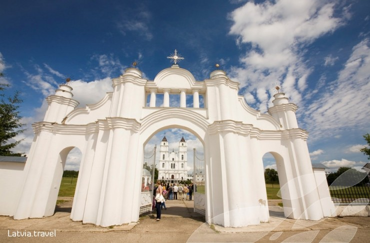 Top 10 Places to See in the Baltic States - Basilica of the Assumption, Aglona, Latvia