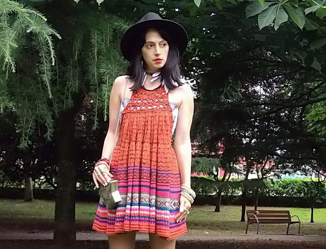 fashion, moda, look, outfit, blog, blogger, walking, penny, lane, streetstyle, style, estilo, trendy, rock, boho, chic, cool, casual, ropa, cloth, garment, inspiration, fashionblogger, art, photo, photograph, Avilés, oviedo, gijón, dress, freepeople, boho, bohemian, bohemio, botas, boots,
