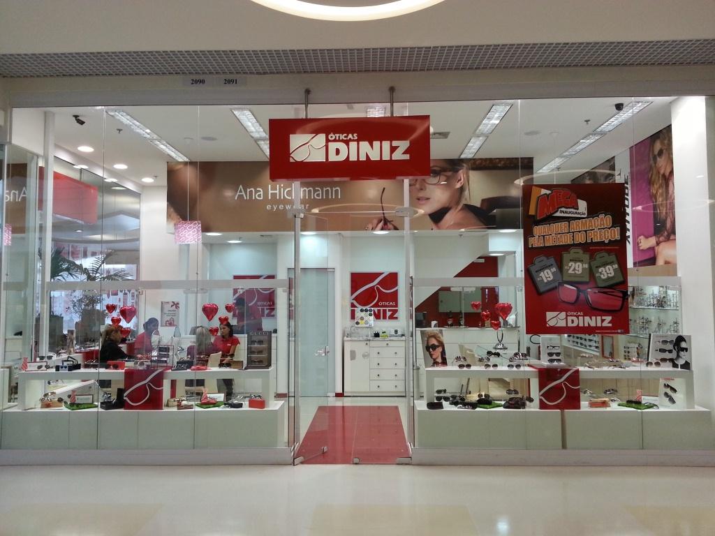 bd057681d8a42 Óticas Diniz inaugura loja em Belém (PA)