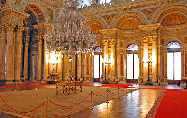Istana Dolmahbace