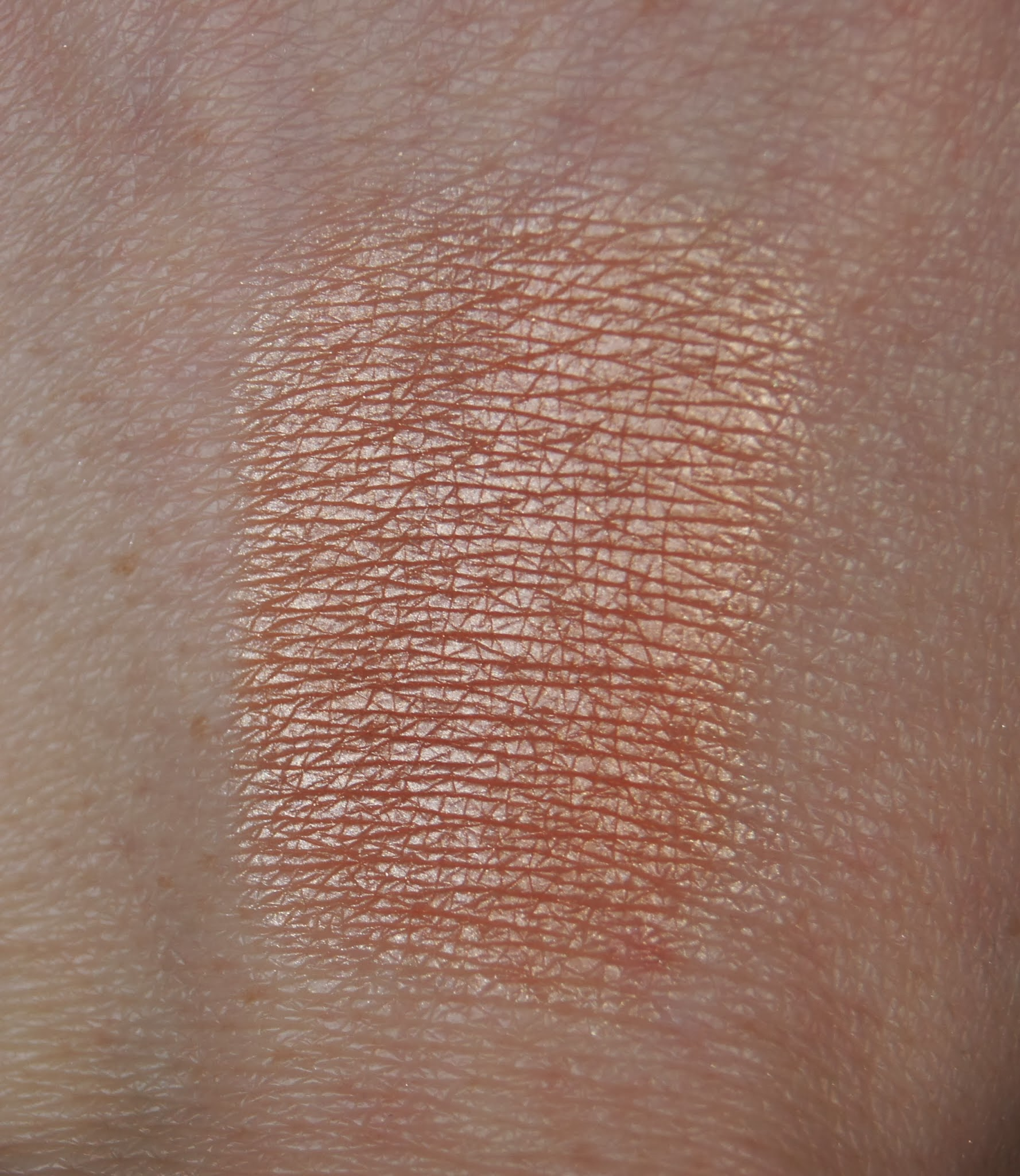 dior poudre shimmer amber diamond highlighter swatch