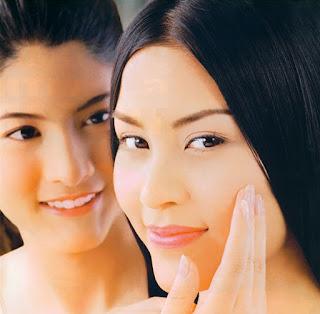 Semua perempuan tentunya ingin terlihat selalu tampil anggun bukan Cara Agar Terlihat Cantik Alami Tanpa Make Up
