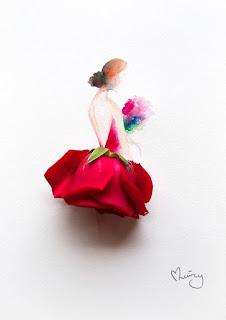 Descrição: em fundo branco, uma mulher de perfil em aquarela, cabelos avermelhados presos em coque crespo baixo em tom mais escuro, collant vermelho com as costas a mostra em decote V profundo, segura um buquê de flores nas cores: verde, vermelho, rosa e azul; a saia é composta por uma rosa vermelha de ponta cabeça com as sépalas verdes dando um toque de contraste e acabamento na linha da cintura. Abaixo, à direita, a assinatura da artista: Limzy. Detalhe da assinatura: um coraçãozinho estilizado forma-se à esquerda a partir do alto da letra L.