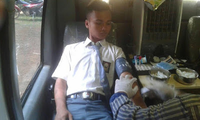 Donor Darah Keluarga Besar SMK N 1 Karangdadap