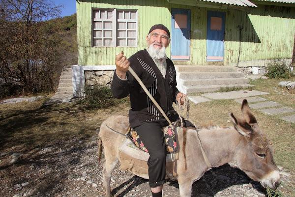 Kirghizistan, Arslanbob, Turbaza, © L. Gigout, 2012