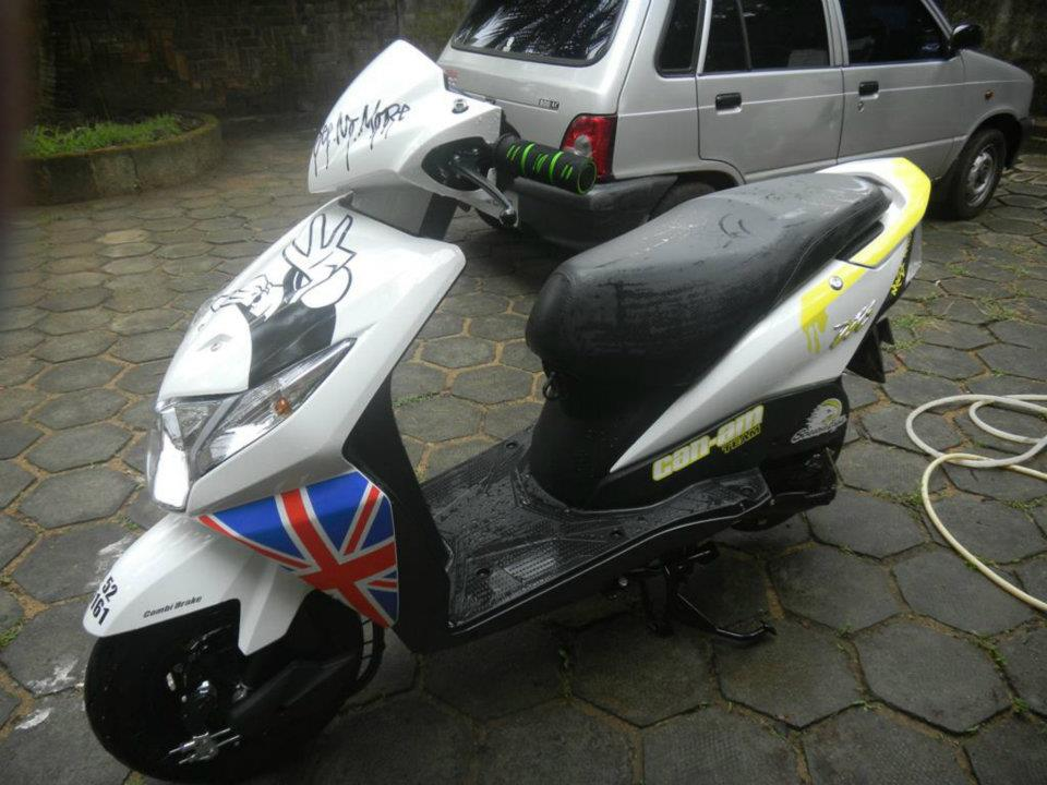 jawAwapblogspotin Modified Honda Dio 2012 Pictures