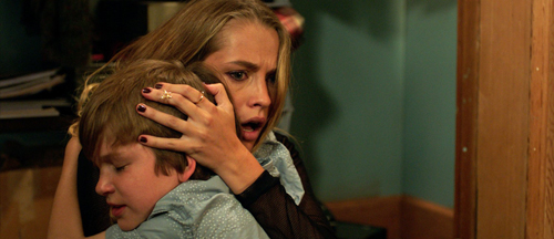 lights-out-horror-film-images-teresa-palmer