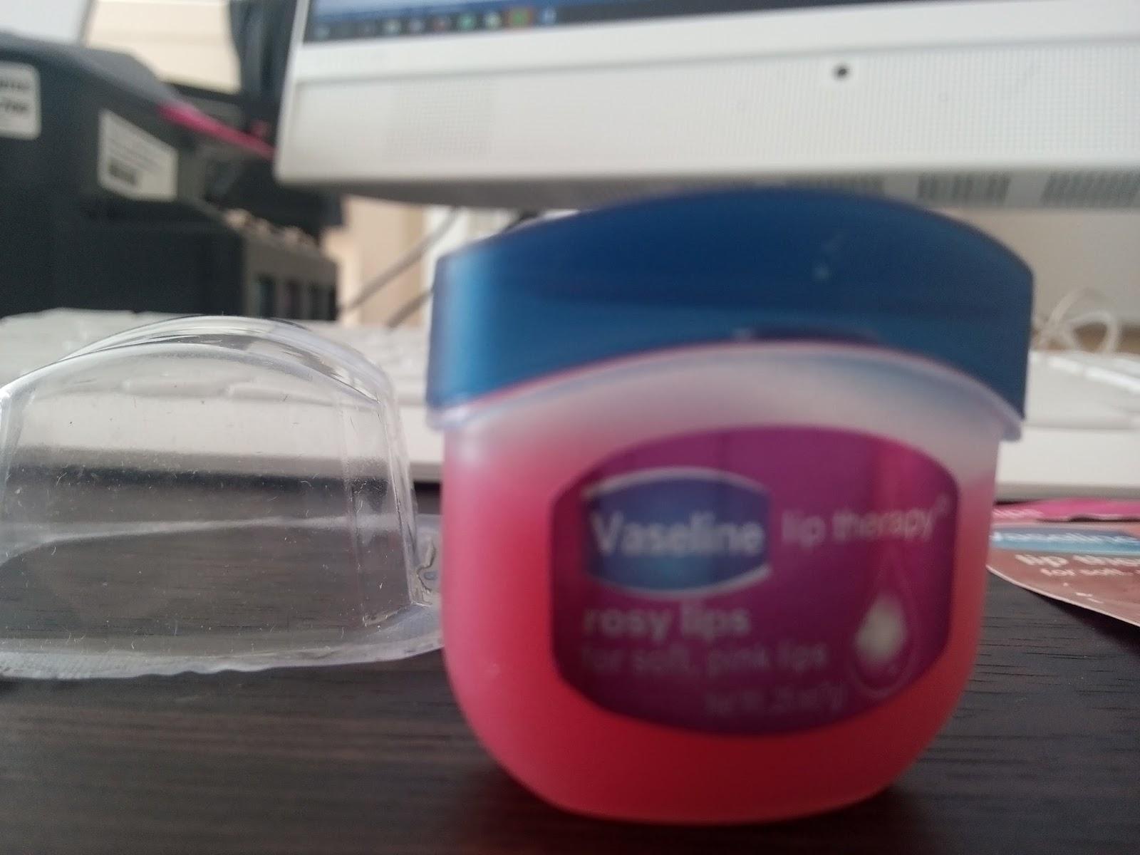 Vaseline Lip Therapy Original 7 Gram Spec Dan Daftar Harga Terbaru Mini Rasa Plain Sebelumnya Saya Menggunkan Balm Merk Lokal Kado Nikah Yang Wangiiiiiiiiiiiiiiiiiiiiiiiiiiiiiiiiiiiiii Banget Tapi Tidak Bisa