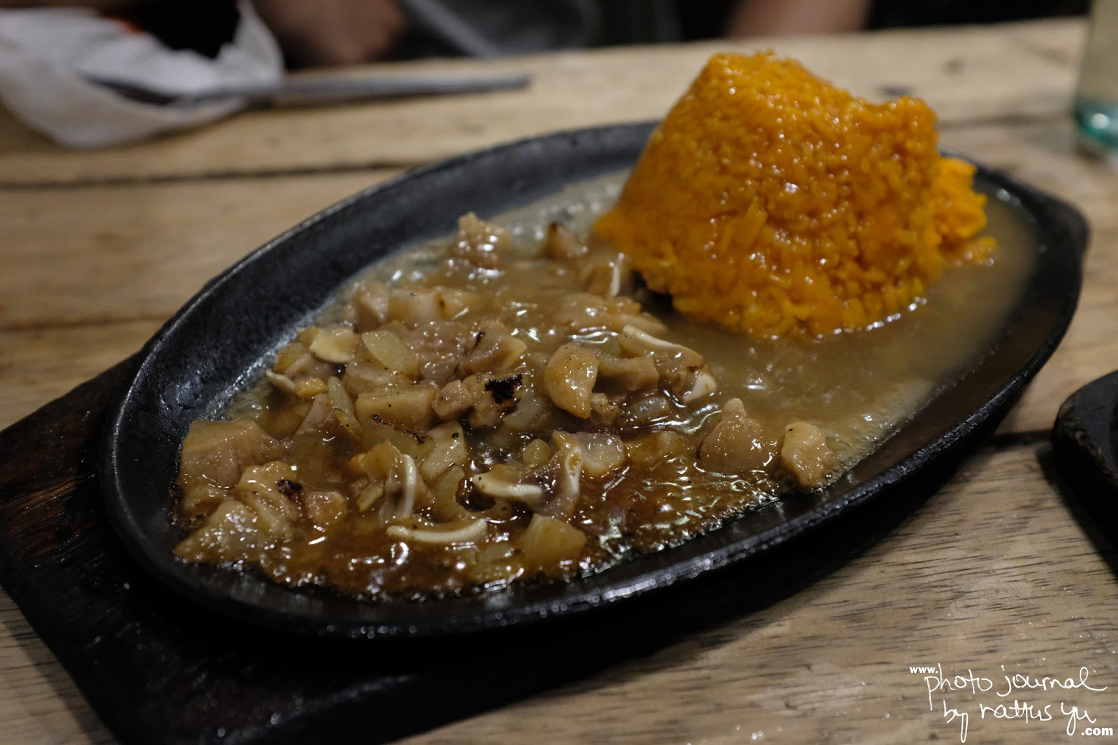 Sizzling Sisig at Egoy's in NS. Amoranto (Retiro) Quezon City