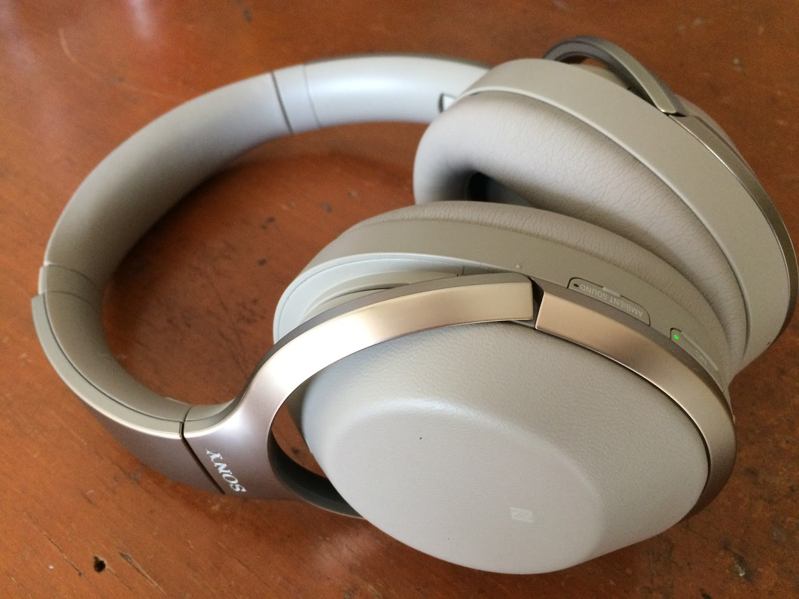The Orronoco Audio Diy Sony Mdr 1000x Noise Canceling Headphone This Comes With Hard Pouch And Very Easy To Carry It During Traveling