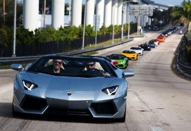 Berapa Harga Lamborghini Aventador Roadster di Indonesia?