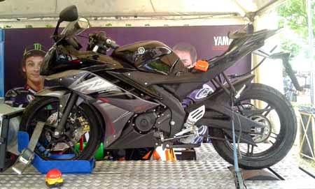 Gambar Yamaha R15 Hitam 2015