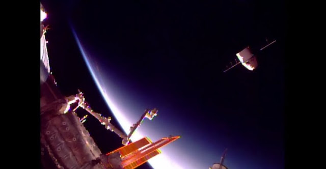 CRS-12 Dragon released from the ISS. Credit: NASA