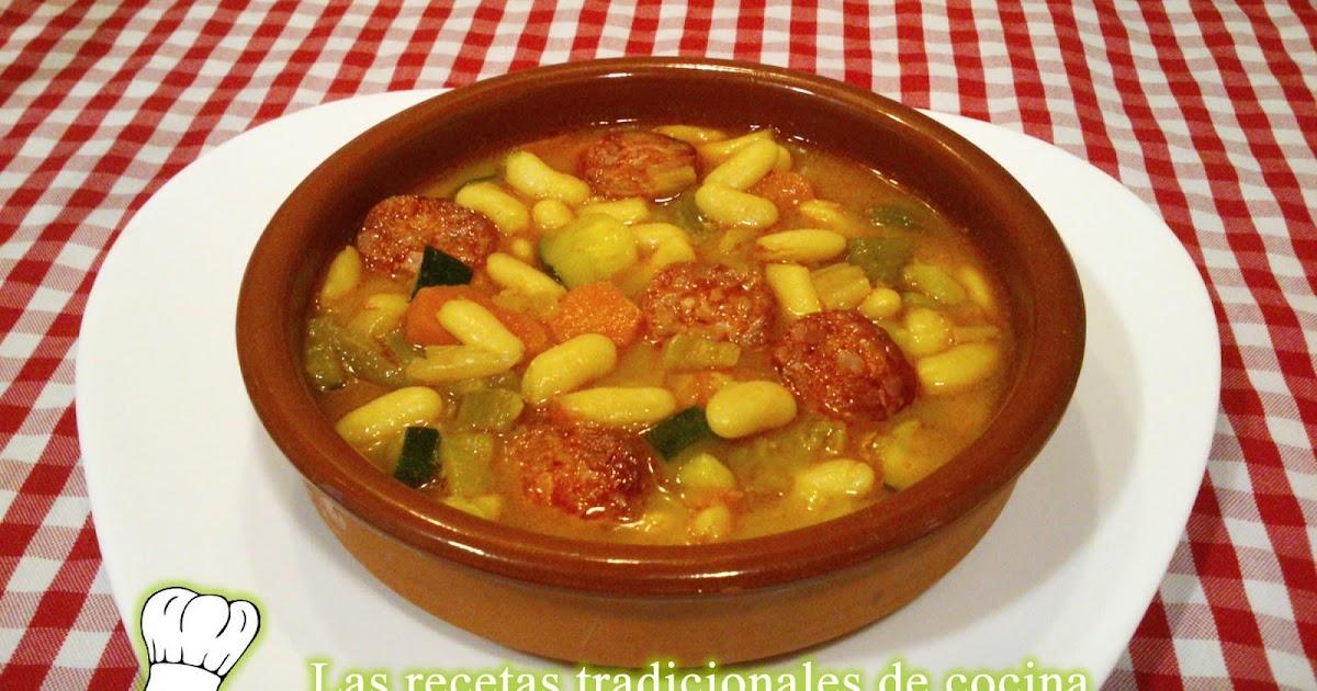 Receta de Alubias blancas con chorizo y verduras  Recetas