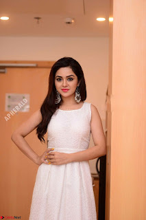 Ragini in Beautiful Cream Sleevelss Gown Perfect makeup ~  Exclusive 001.jpg