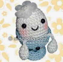 http://esbelotta.blogspot.com.es/2012/02/free-pattern-mrs-egghead-her-husband.html