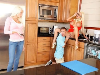 Moms Bang Teens – Nikita Von James, Rikki Six Sex: With Six