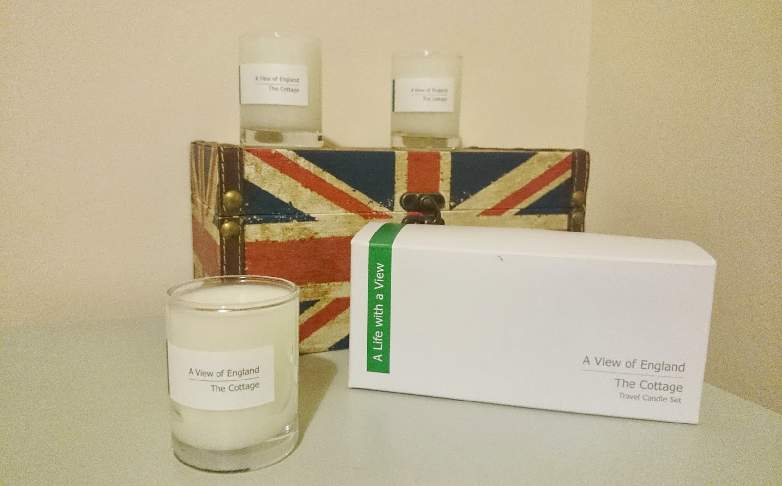 A View of England - The Cottage Travel Candle Set