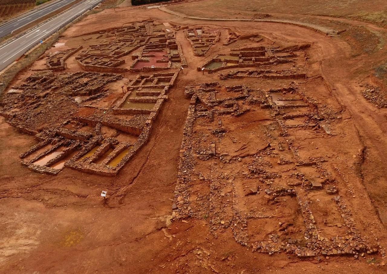 Resultado de imagen de poblado ibérico del Cerro de las Cabezas