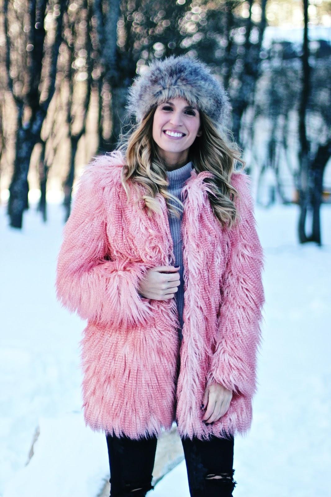 abrigo rosa con pelo
