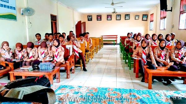 Bersama Saka Bhayangkara Babelan Sharing Memanfaatkan Medsos