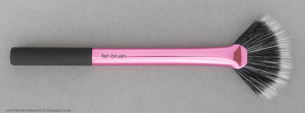 Real Techniques Fan Brush