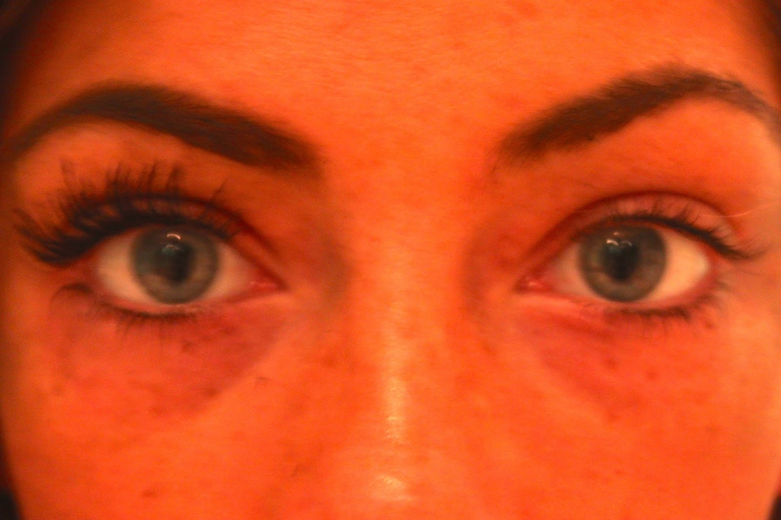 Younique Moonstruck 3D Fibre Lashes Results from one coat