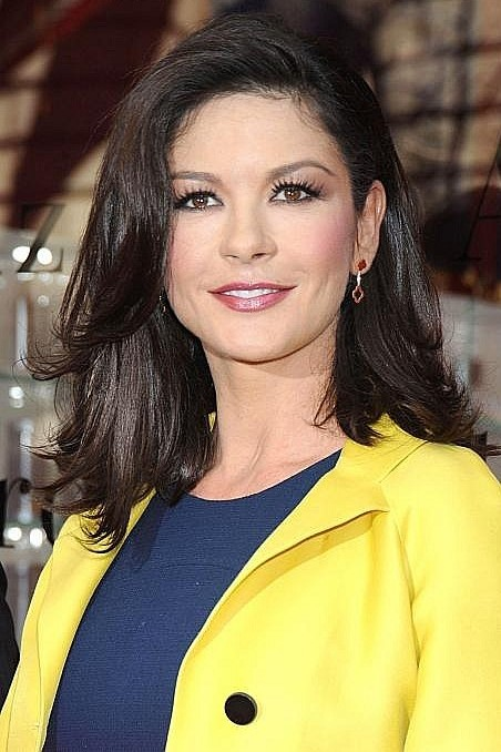 Celebrities Hairstyles: Catherine Zeta Jones Hairstyles 2017 Catherine Zeta Jones