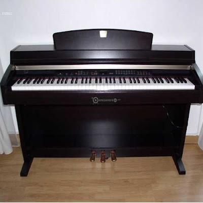 Đàn piano điện Yamaha CLP-240 Cũ Giá Rẻ