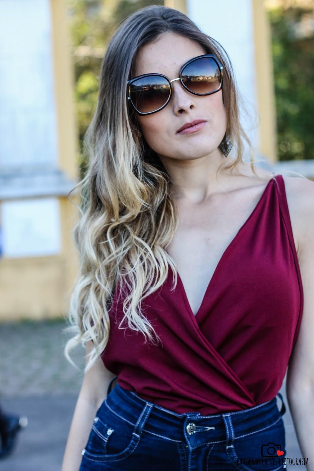 Look Body Bruna Marquezine e calça flare - Ally Arruda