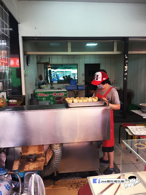 IMG 9635 - 【台中美食】台灣人的下午茶皮薄餡多的現做手工水煎包 | 頂好水煎包 | 下午茶 | 中式下午茶 | 青海路頂好水煎包|