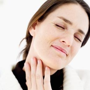 5 Cara Alami Atasi Sakit Tenggorokan