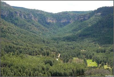 Valle formado por el Río Escabas en El Hosquillo