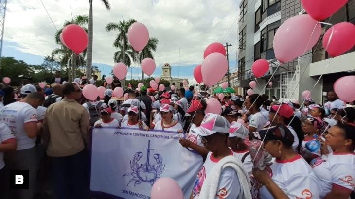 Francomacorisanos marchan para donar pasos en favor de las personas que padecen de cáncer