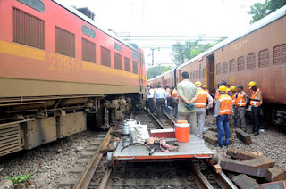engine-power-generation-coach-of-ranchi-rajdhani-derailed-one-injured