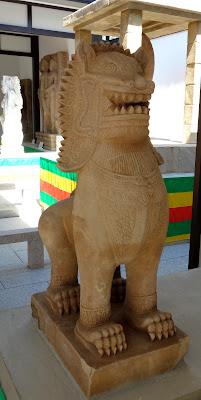 ネパールの狛犬