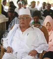 "Melawan Lupa ""Save Ulama"" KH Hasan Bisri"