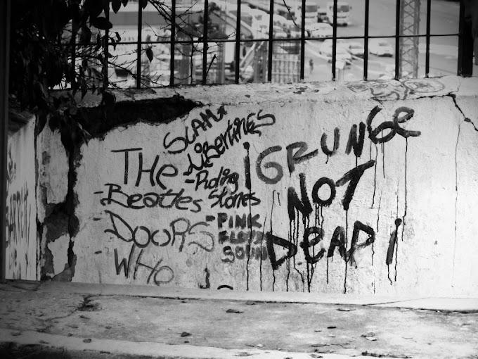 5 Band Legend Beraliran Grunge