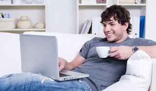 Dampak Negatif Penggunaan Laptop yang Berlebihan