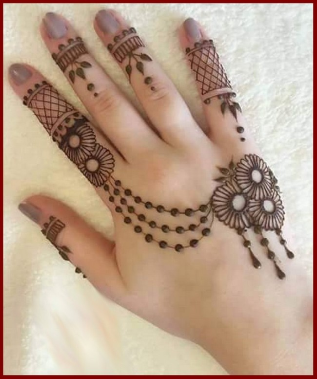 Graceful Mehndi Designs For Hands