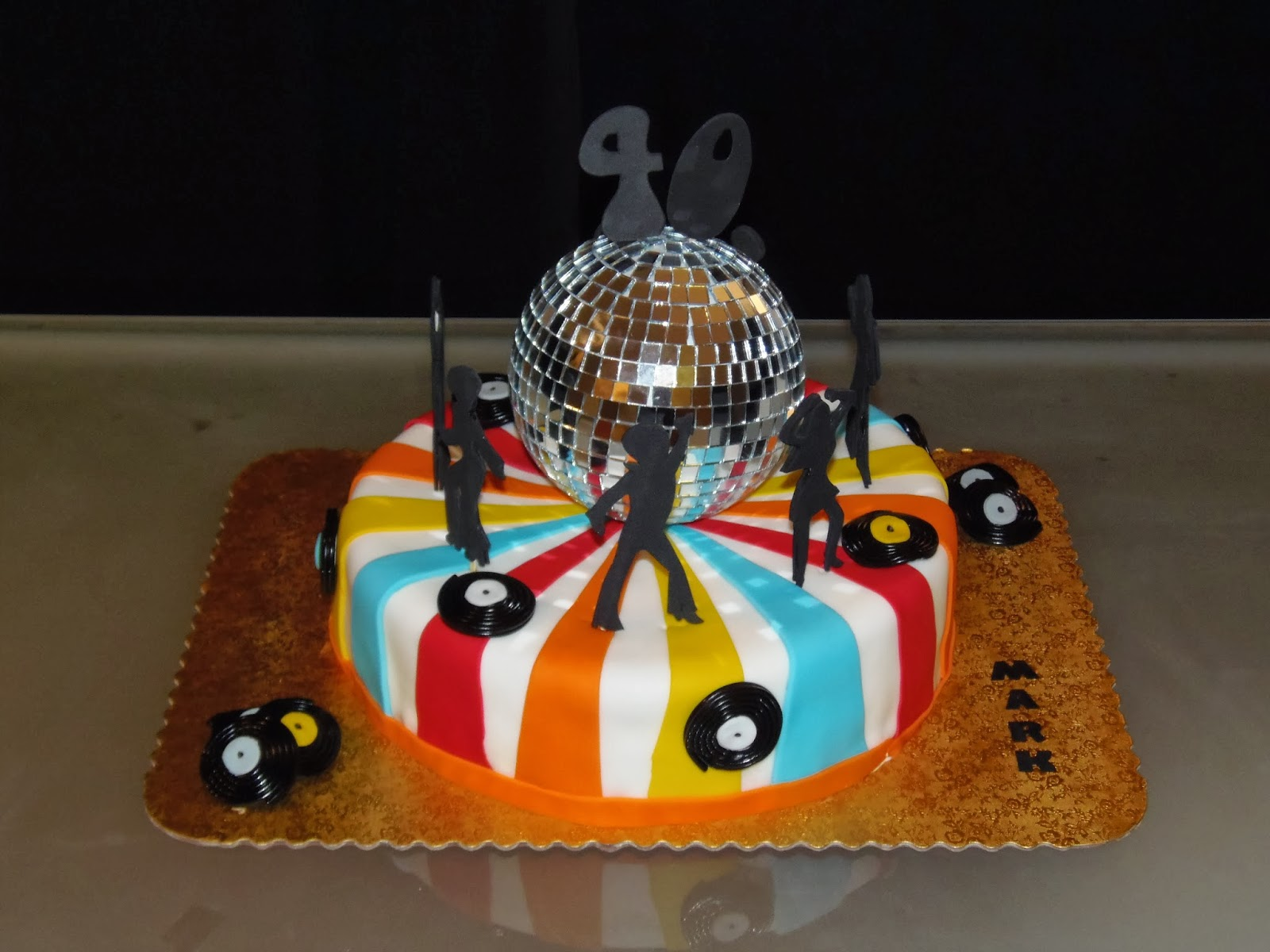 Dreams Factory 70 S Party Cake