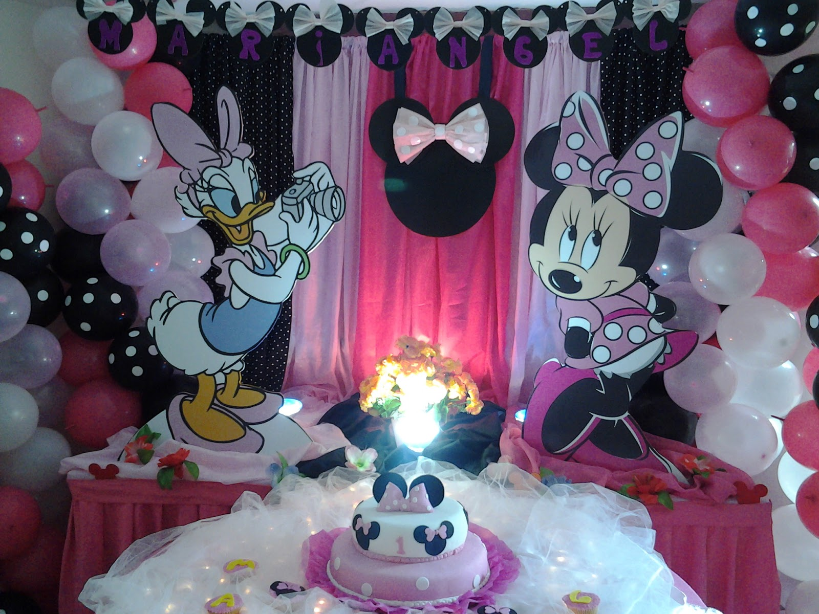Pkelandia fiesta de minnie mouse cumplea os de mariangel for Decoracion para pared para cumpleanos