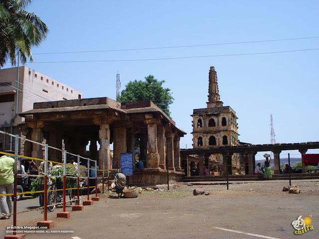 The road through Badami Banashankari Temple complex
